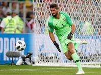 """Английский футбольный клуб """"Ливерпуль"""" на своем сайте официально объявил о подписании контракта с вратарем сборной Бразилии по футболу Алиссоном, ранее выступавшим за итальянскую """"Рому"""""""