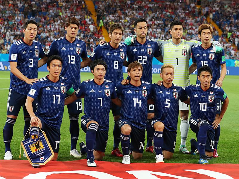 Японские футболисты прибрались за собой и оставили прощальную записку