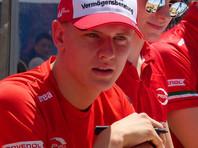 Сын Михаэля Шумахера досрочно стал победителем гоночной серии «Формула-3»