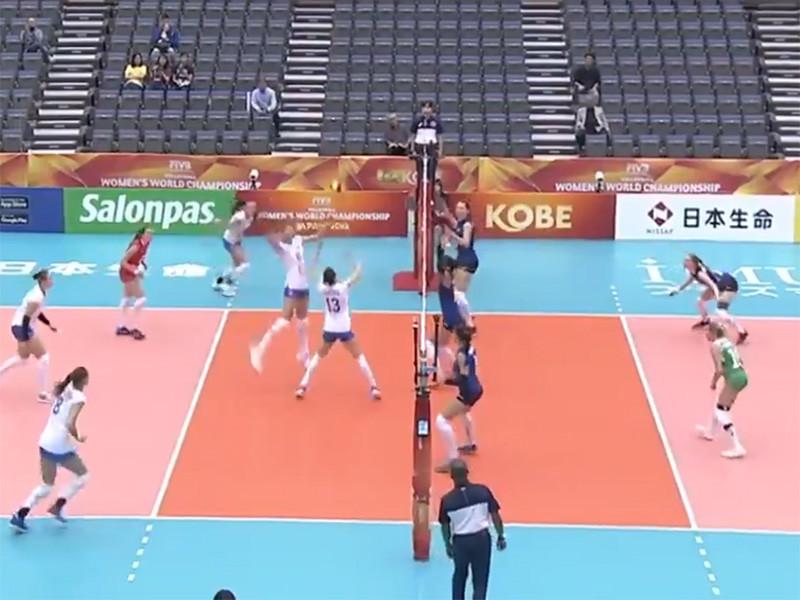 Сборная России по волейболу одержала победу над командой Азербайджана в матче третьего тура группового этапа чемпионата мира среди женских команд, который проходит в эти дни в Японии, и может досрочно обеспечить себе выход во второй раунд соревнований