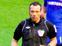 В матче чемпионата Англии арбитр выбросил за пределы поля половой член (ФОТО)