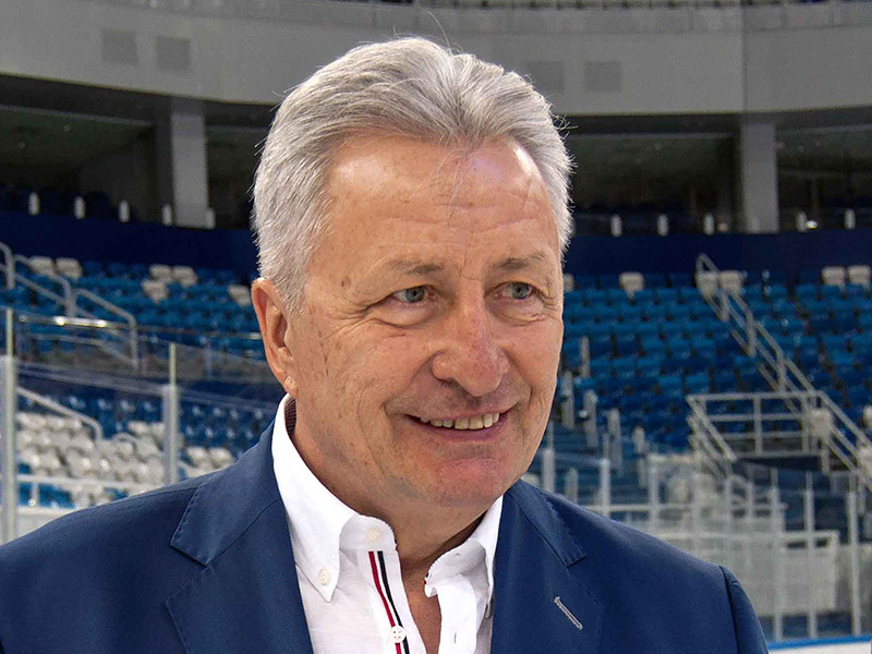 Двукратный олимпийский чемпион и семикратный чемпион мира в составе сборной СССР Александр Якушев в понедельник был официально введен в Зал хоккейной славы в Торонто