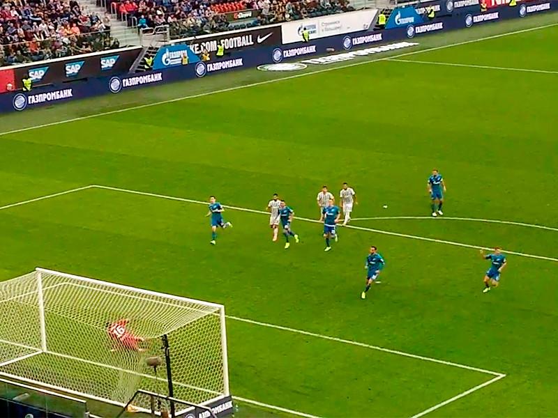 Встреча в Санкт-Петербурге завершилась победой сине-бело-голубых со счетом 1:0. Единственный мяч с пенальти забил итальянский полузащитник Клаудио Маркизио (31'). На 83-й минуте с поля за вторую желтую карточку был удален аргентинский полузащитник хозяев Леандро Паредес
