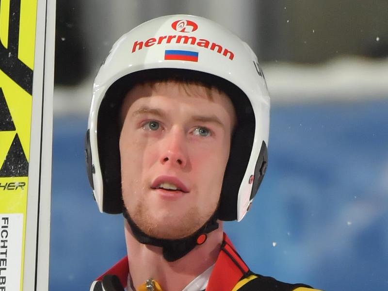 Российский прыгун на лыжах с трамплина Евгений Климов