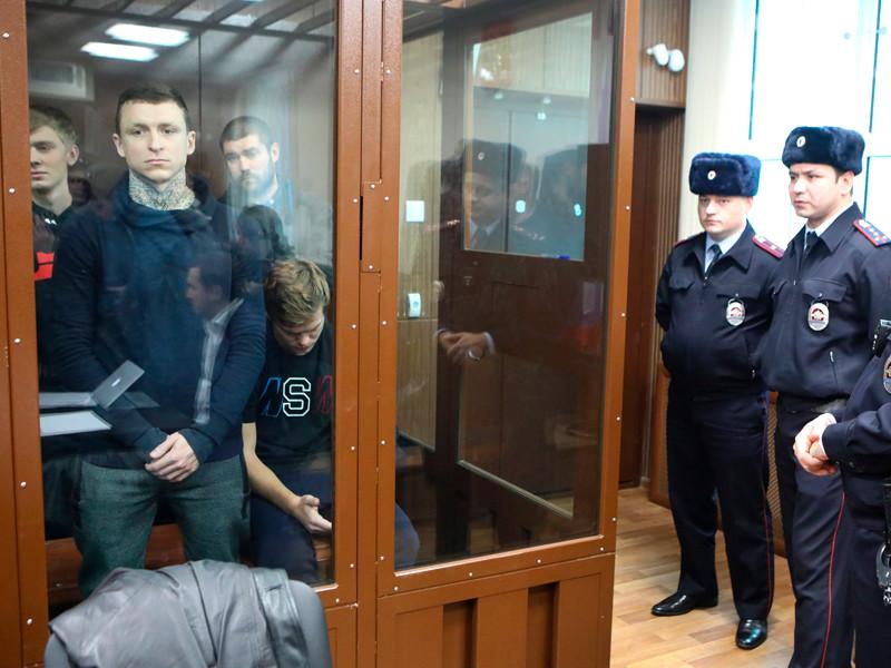 Кирилл Кокорин, Павел Мамаев, Александр Протасовицкий, Александр Кокорин (слева направо) в Тверском районном суде, 5 декабря 2018 года