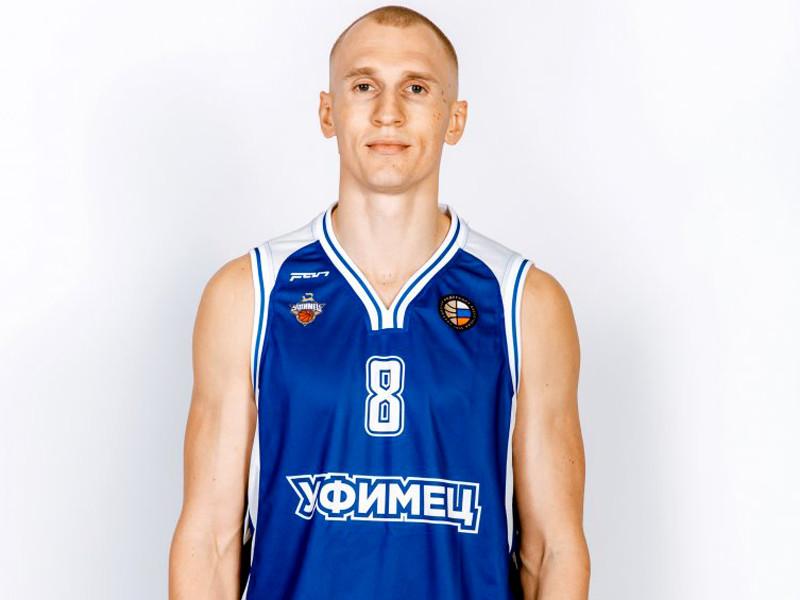 Артем Исаков