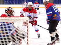 Путин и оба Лукашенко в ходе игры отличились заброшенными шайбами, причем в ряде случаев взятие ворот становилось результатом их совместных комбинаций