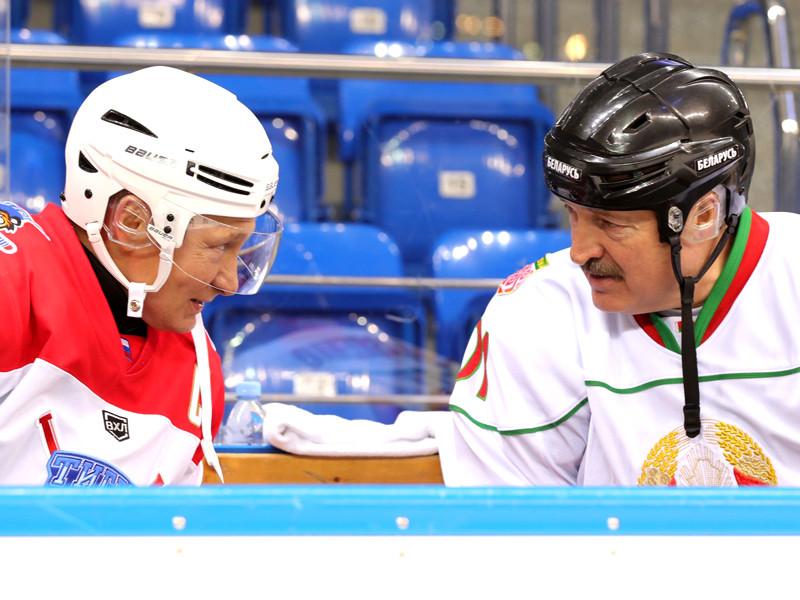 Владимир Путин и Александр Лукашенко сыграли в хоккей за одну команду