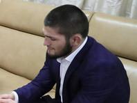 Боец Хабиб Нурмагомедов возмутился спектаклем с полуобнаженной актрисой (ВИДЕО)
