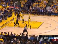 """Игроки """"Лос-Анджелес Клипперс"""" во втором матче серии с """"Голден Стэйт Уорриорз"""" совершили рекордный камбэк в истории плей-офф Национальной баскетбольной ассоциации (НБА)"""