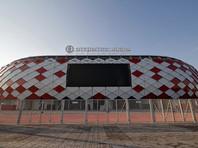 Футболист сборной России принял вызов от одного из болельщиков московской команды, суть которого заключалась в попадании в створ ворот с крыши стадиона