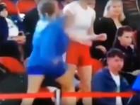 Участницы турнира по самбо во Владивостоке устроили драку на трибуне