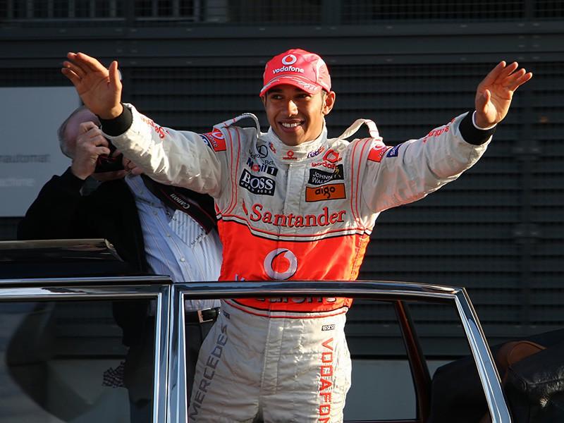 """Британский пилот команды """"Мерседес"""" Льюис Хэмилтон стал победителем гонки шестого этапа чемпионата мира по автогонкам в классе """"Формула-1"""" - Гран-при Монако, одержав четвертую победу в сезоне и 77-ю в карьере"""