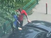 Известный боец смешанных единоборств Александр Емельяненко оштрафован в Москве за нарушение общественного порядка и распитие алкоголя в общественном месте. На него был составлен административный протокол