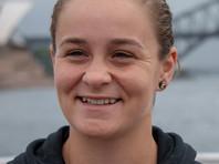 23-летняя Барти взошла на теннисный трон после победы на турнире в британском Бирмингеме, где в финале обыграла немку Юлию Гергес. Она потеснила на вершине рейтинга японку Наоми Осаку, проигравшей на этом турнире во втором круге