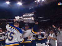 """Хоккеисты """"Сент-Луис Блюз"""" впервые в своей истории завоевали Кубок Стэнли"""