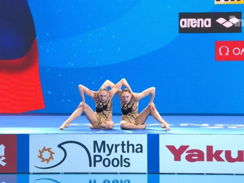 Российские синхронистки Светлана Ромашина и Светлана Колесниченко выиграли соревнования в произвольной программе дуэтов на чемпионате мира по водным видам спорта в южнокорейском Кванджу