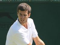 По итогам Уимблдонского теннисного турнира Хачанов поднялся в рейтинге ATP с девятого на восьмое место, Даниил Медведев - с 13-го на 10-е. Оба завершили борьбу в третьем круге третьего в сезоне турнира Большого шлема