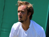 Российского теннисиста Даниила Медведева оштрафовали за истерику на Уимблдоне