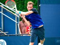 Медведев переиграл Хачанова и вышел в финал турнира в Монреале, где его ждет встреча с Надалем