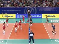 Тренер российских волейболисток после победы дразнил корейцев, растягивая пальцами веки