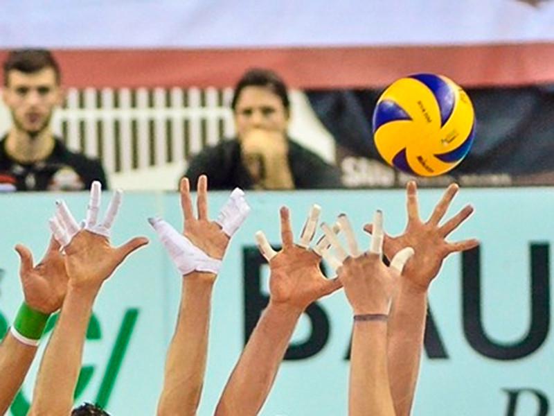 В Санкт-Петербурге мужская сборная России по волейболу со счетом 3:0 (25:15, 25:11, 25:17) обыграла команду Мексики в стартовом матче квалификационного турнира к летним Олимпийским играм 2020 года