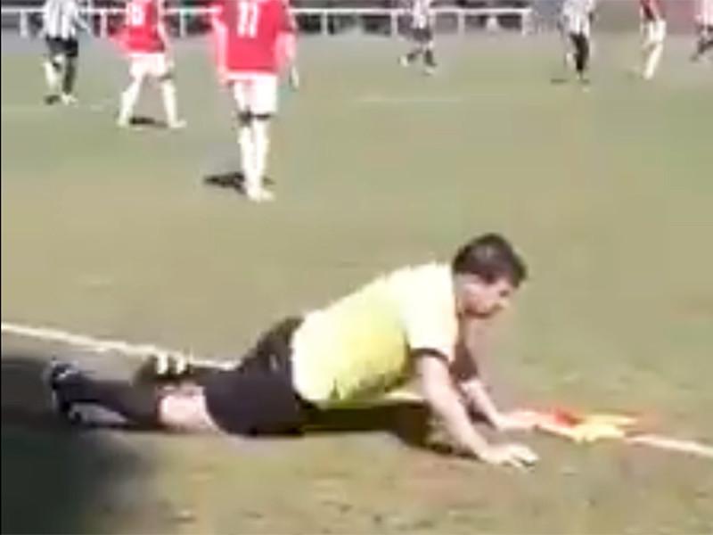 Матч чемпионата Чехии по футболу обслуживал в стельку пьяный арбитр