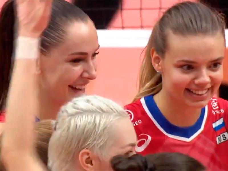 В Йокогаме женская сборная России по волейболу со счетом 3:2 (25:11, 23:25, 25:27, 25:19, 15:7) победила команду Японии в матче Кубка мира. Самым результативным игроком встречи стала Наталия Гончарова, набравшая 31 очко
