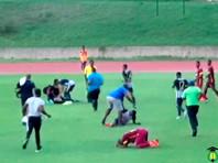 На Ямайке участников футбольного матча поразило молнией