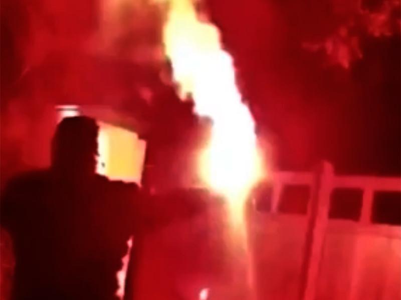 """Дом вице-президента английского """"Манчестер Юнайтед"""" Эда Вудворда в графстве Чешир был атакован группой агрессивных фанатов футбольного клуба"""