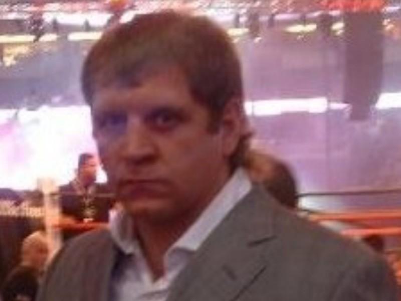 Российский боец смешанных единоборств Александр Емельяненко в среду в Анапе был помещен под административный арест на семь суток за мелкое хулиганство