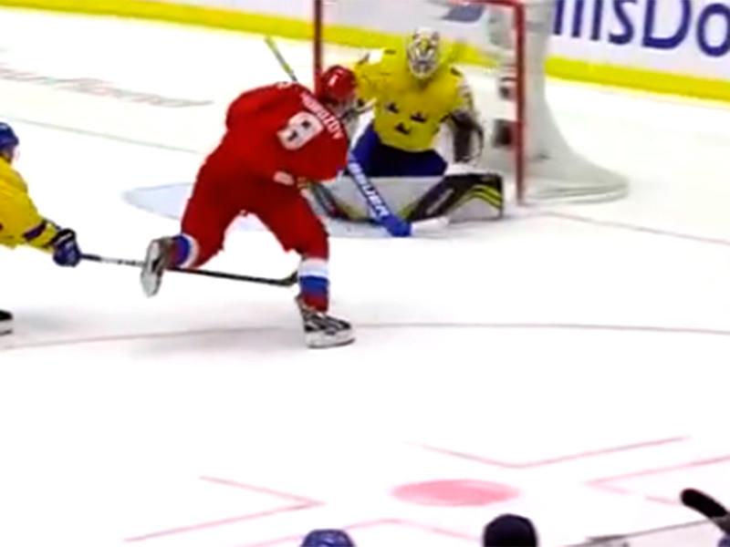 В чешской Остраве сборная России в овертайме победила команду Швеции со счетом 5:4 в полуфинальном матче молодежного чемпионата по хоккею (игроки не старше 20 лет)