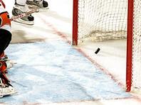 """Хоккеисты """"Торонто"""" уступили """"Каролине"""" со счетом 3:6 в домашнем матче регулярного чемпионата НХЛ. Игру в воротах гостей начинал Джеймс Раймер, но в середине первого периода он получил травму и его заменил Петр Мразек"""