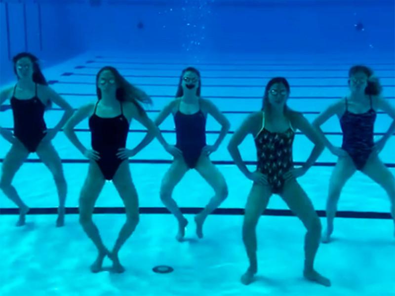 Российские синхронистки станцевали под водой в поддержку группы Little Big
