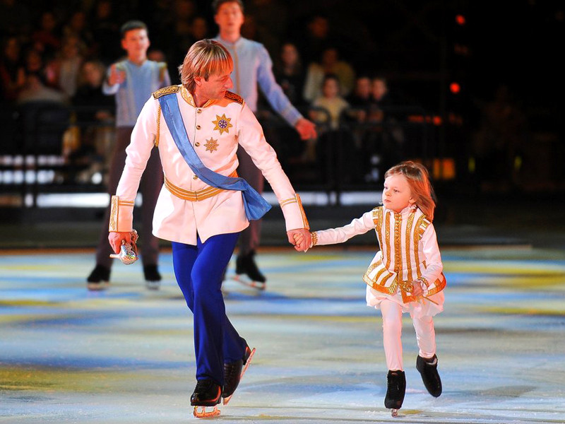 Рудковская похвасталась многомиллионными доходами 7-летнего сына Плющенко