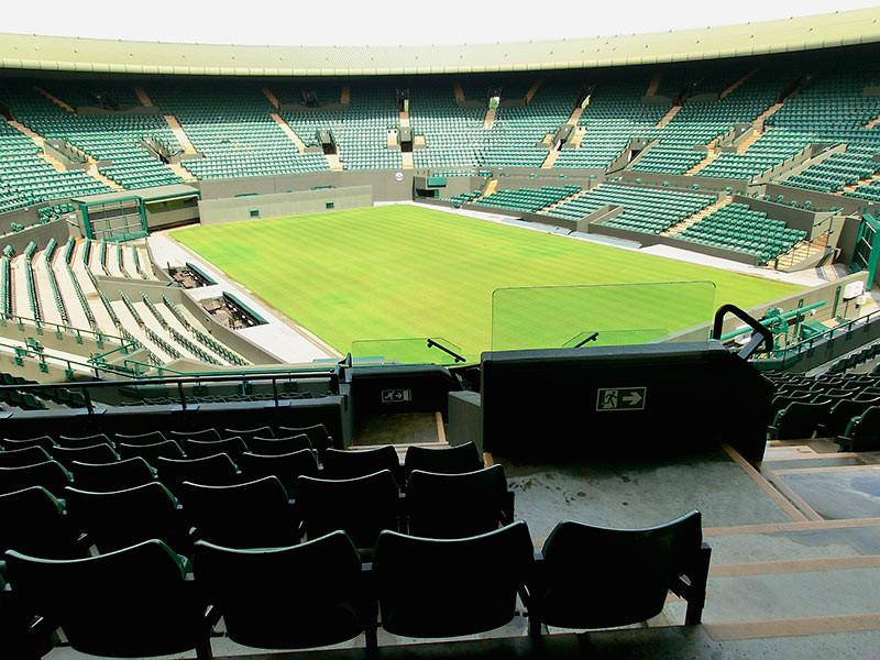 Уимблдонский теннисный турнир, который должен был стартовать 29 июня, покроет почти половину расходов из-за отмены соревнований в нынешнем сезоне за счет страховщиков