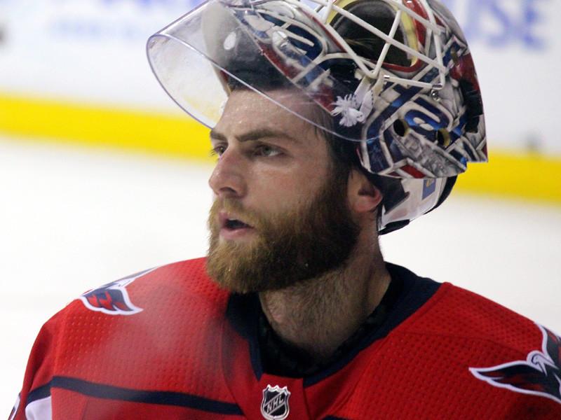 Вратари НХЛ пожаловались на непредсказуемый полет шайбы после бросков Овечкина