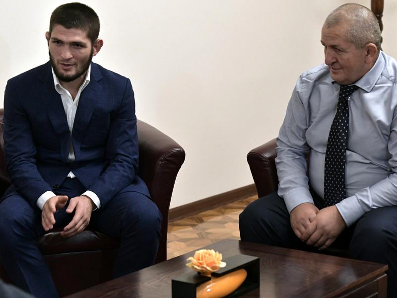 Хабиб Нурмагомедов отказался пройти тест на коронавирус после заражения отца