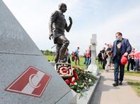 На Троекуровском кладбище установили памятник Федору Черенкову