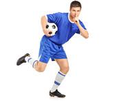 Футбол без фанатизма: игроков попросили сдерживать эмоции после забитых мячей