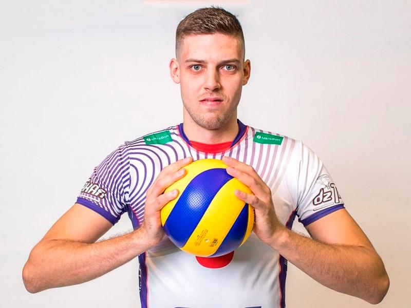Украинский волейболист принял гражданство РФ и ждет вызова в сборную