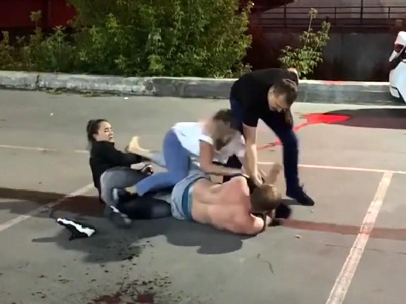 В Барнауле состоялась массовая драка, в результате которой от полученных травм скончался Павел Рохлов