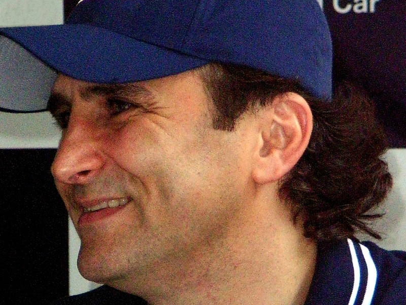 """Бывший пилот """"Формулы-1"""" итальянец Алессандро Дзанарди, в июне попавший в серьезное ДТП, вновь перенес операцию в отделении нейрохирургии в больнице Милана"""