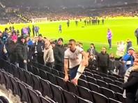 """Игрока """"Тоттенхэма"""" дисквалифицировали и оштрафовали за потасовку с фанатом клуба (ВИДЕО)"""