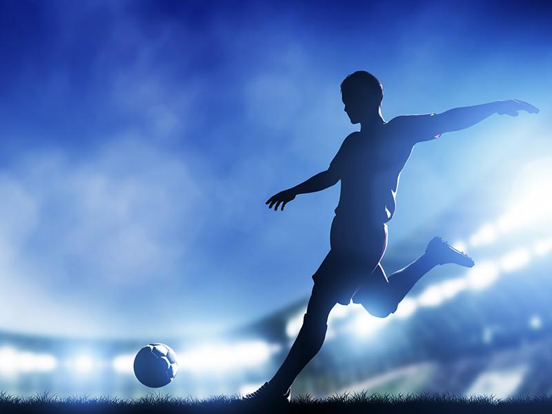 """Клуб """"Порту"""" досрочно завоевал очередной титул чемпиона Португалии по футболу, за два тура до финиша национального первенства переиграв на своем поле лиссабонский """"Спортинг"""" со счетом 2:0 и став недосягаемым для преследователей"""