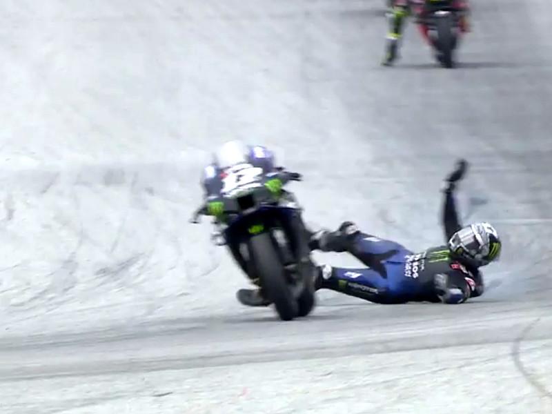 Участник MotoGP спрыгнул с неуправляемого мотоцикла на скорости 230 км/ч (ВИДЕО)