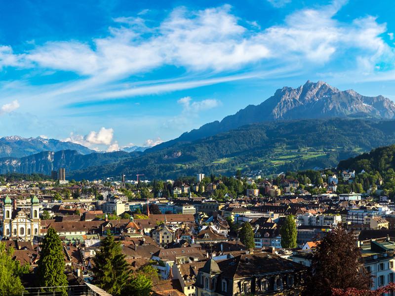 Зимняя Универсиада, которая должна была пройти с 21 по 31 января 2021 года в швейцарском Люцерне, перенесена из-за пандемии коронавируса
