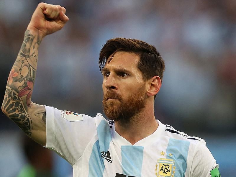 """Испанский футбольный клуб """"Барселона"""" в случае продажи Лионеля Месси будет требовать от покупателей полной выплаты отступных за аргентинского форварда, установленных на отметке 700 млн евро"""