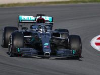 """Британский пилот """"Мерседеса"""" Льюис Хэмилтон показал лучшее в квалификации седьмого этапа чемпионата мира по автогонкам в классе машин """"Формула-1"""" - Гран-при Бельгии, проехав круг за 1 минуту 41,252 секунды"""