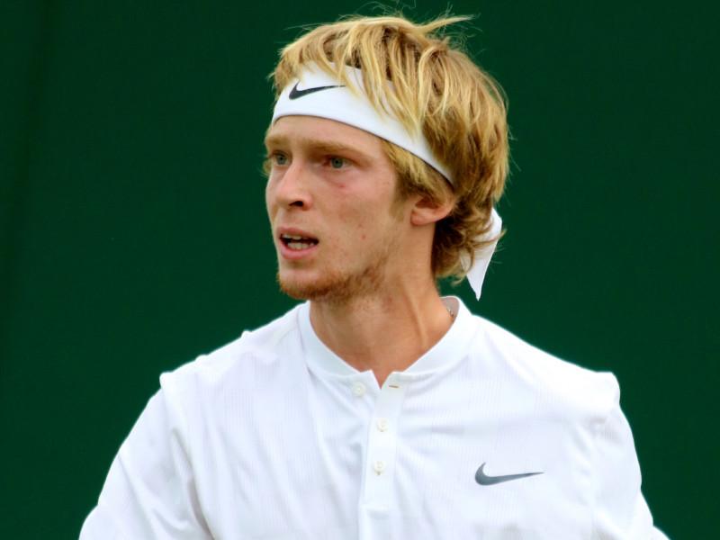 Андрей Рублев одержал сверхволевую победу на старте Roland Garros